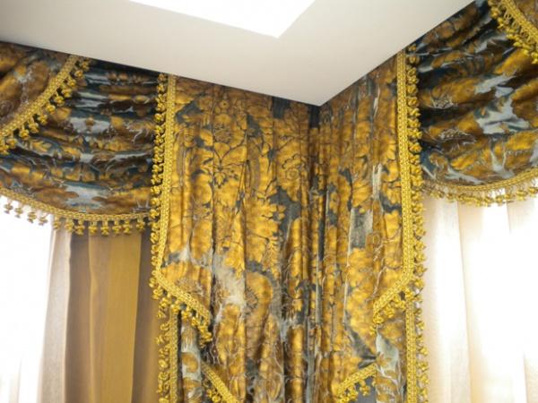 Tende da interni toscana lucca tappezzeria baccelli for Tende da interni classiche
